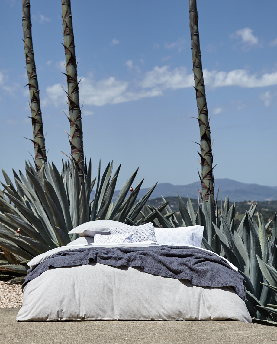 Agave_Grey_Flannel_Bed_V3_067-REV